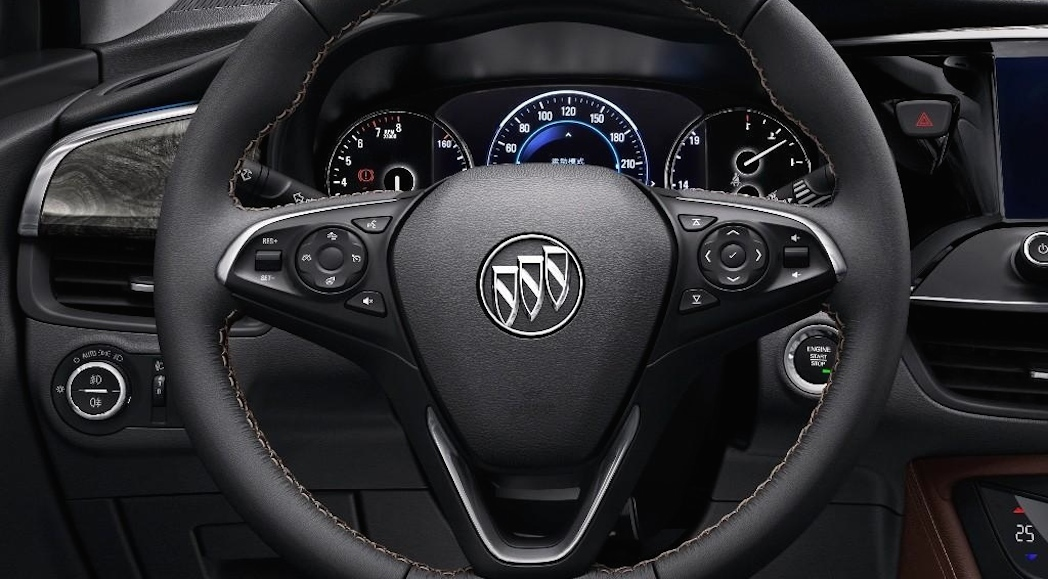 12-2015-Buick_Envision