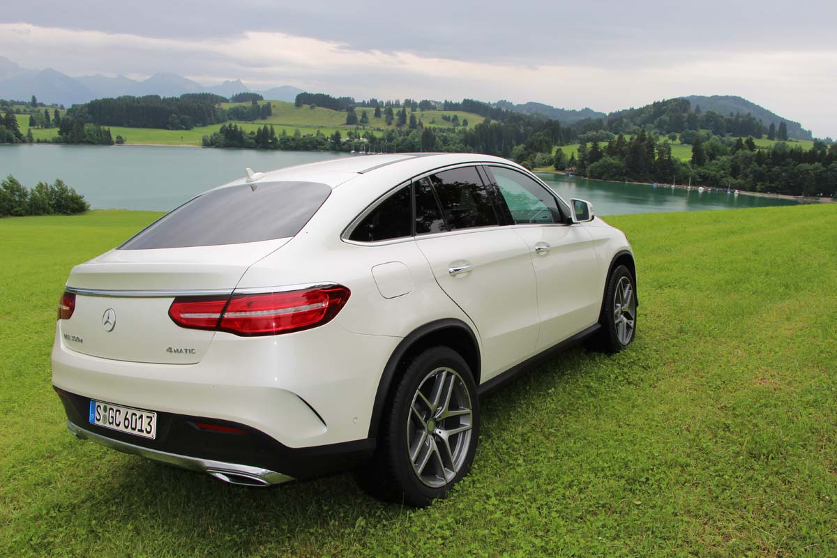 Premier contact mercedes benz gle et gle coup 2016 for Mercedes benz email address