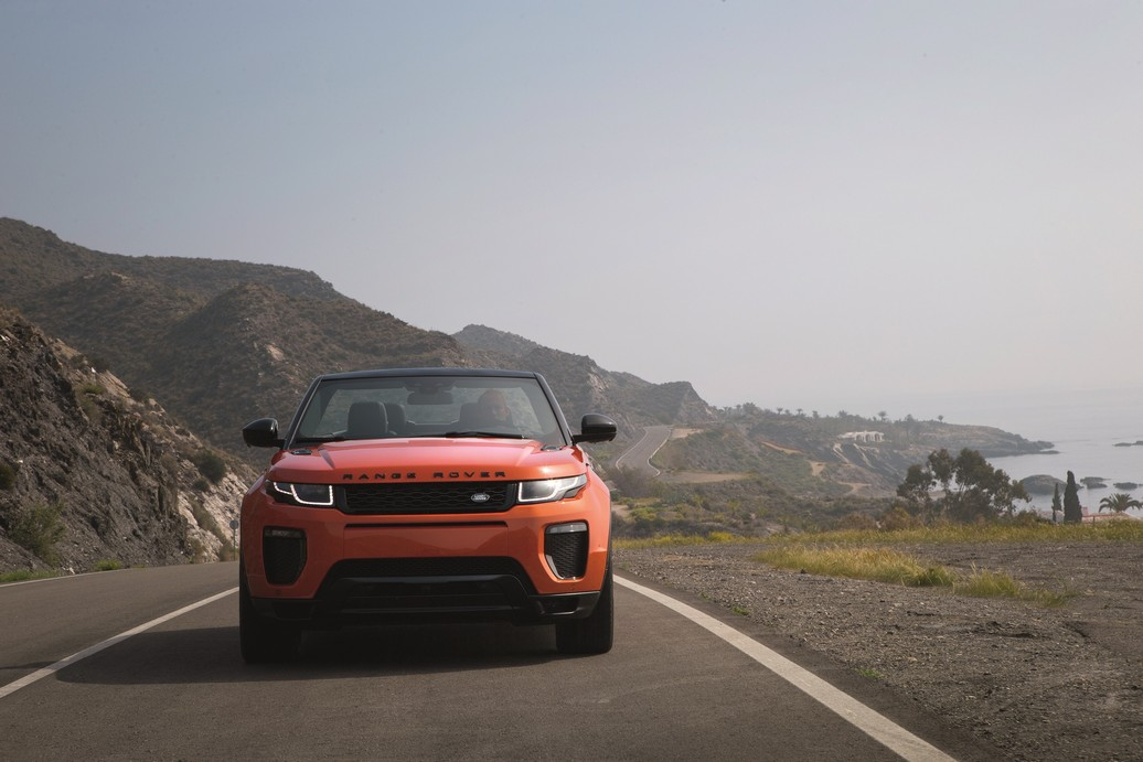 RR_Evoque_Convertible_ext_dynamic (2)