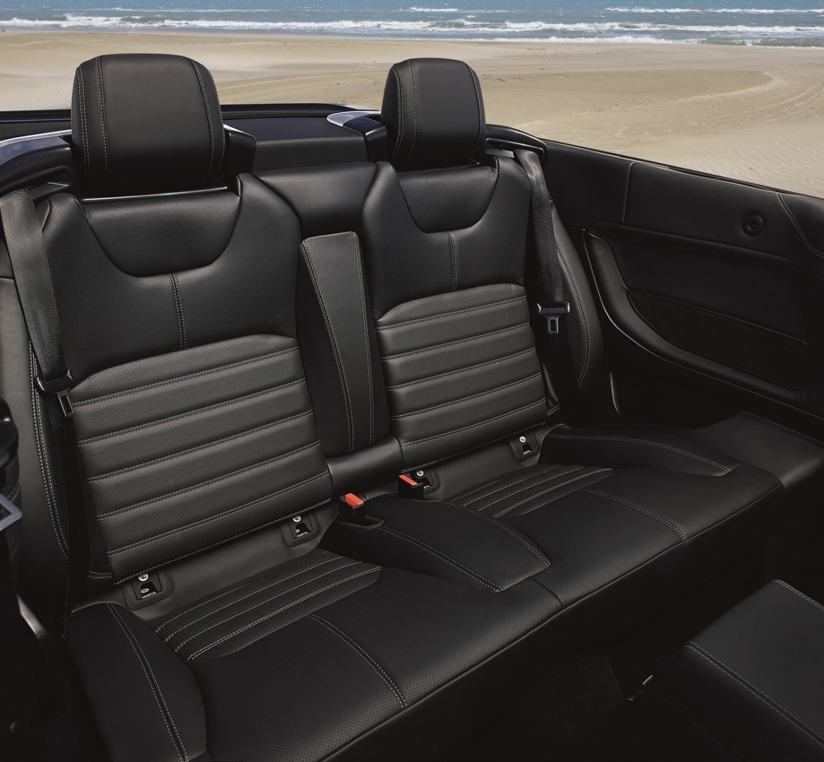 RR_Evoque_Convertible_int_cabin (5)