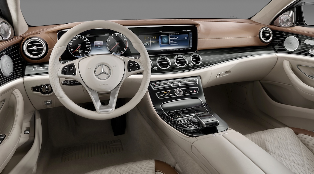 Mercedes benz classe e 2017 l int rieur luxury car magazine for Mercedes classe s interieur