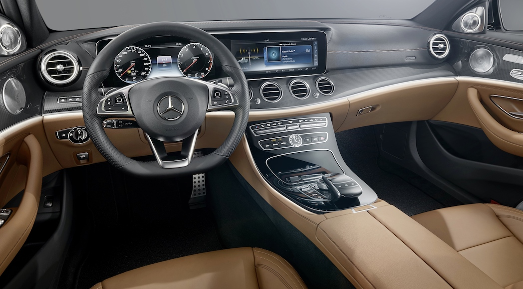 Mercedes benz classe e 2017 l int rieur luxury car magazine for Interieur mercedes c klasse