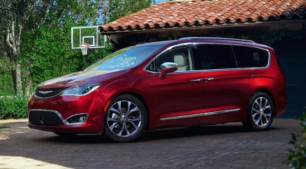 Chrysler Pacifica 2017-1