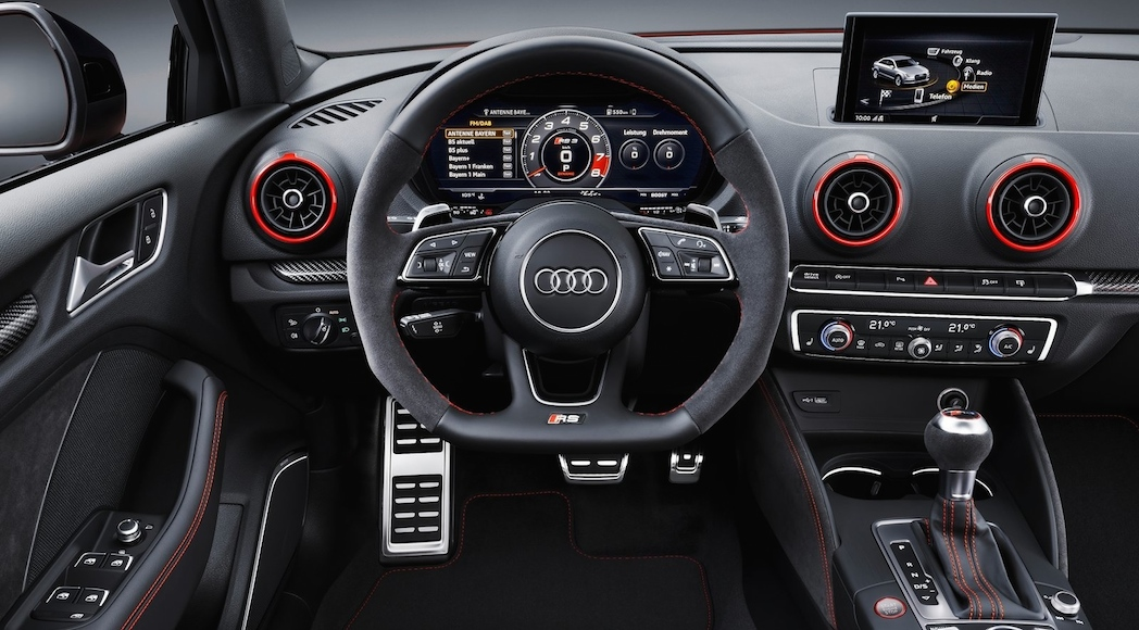 audi rs3 2017 au mondial de paris 400 chevaux l attaque de la cla45 luxury car magazine. Black Bedroom Furniture Sets. Home Design Ideas