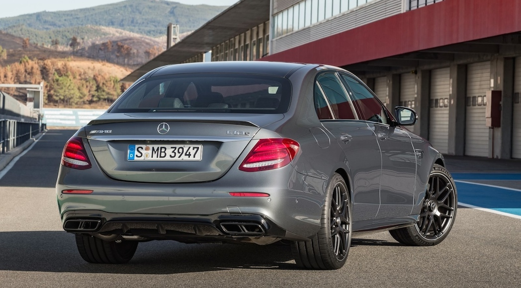 mercedes-amg-e63-4matic-2017-11