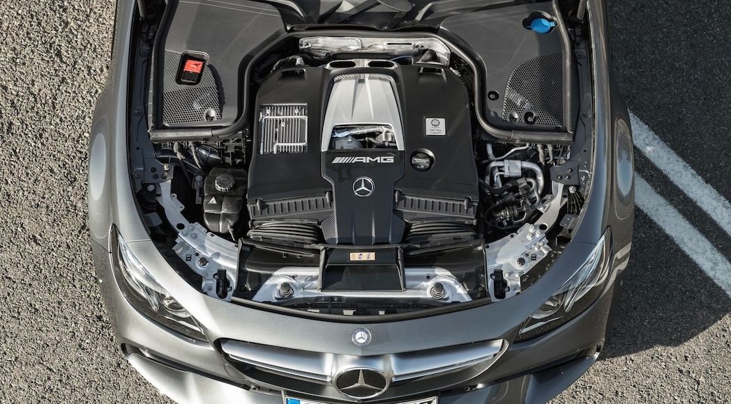 mercedes-amg-e63-4matic-2017-14