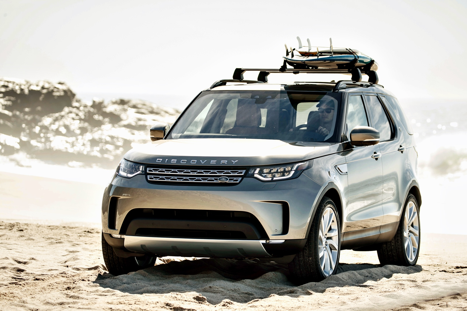 land rover discovery 2017 plus l ger mais plus techno. Black Bedroom Furniture Sets. Home Design Ideas