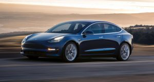 ACTUALITÉ AUTO : La Tesla Model 3 arrive sans radio AM/FM ni audio Bluetooth… pour le moment