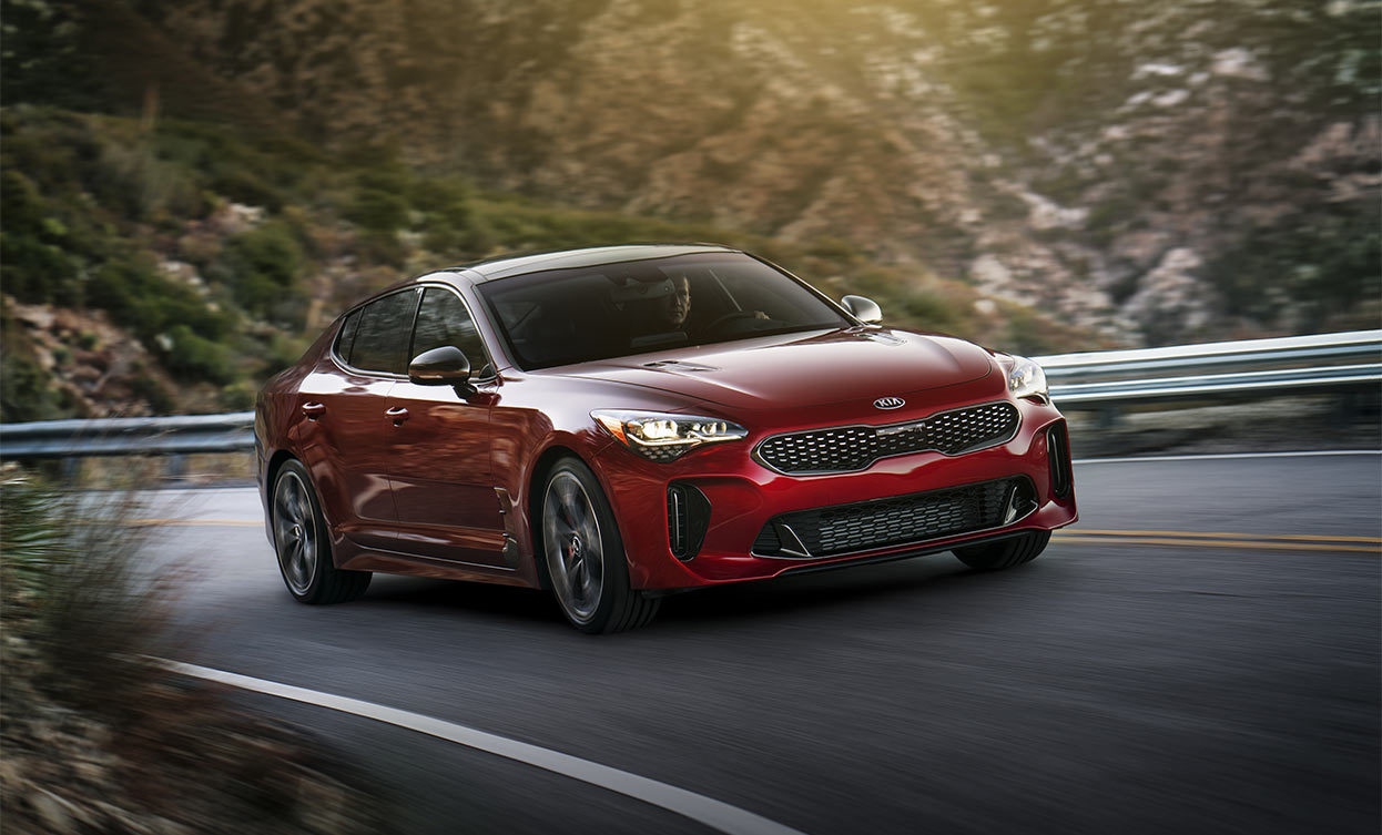 la kia stinger gt 2018 offerte partir de 44 995 luxury car magazine. Black Bedroom Furniture Sets. Home Design Ideas
