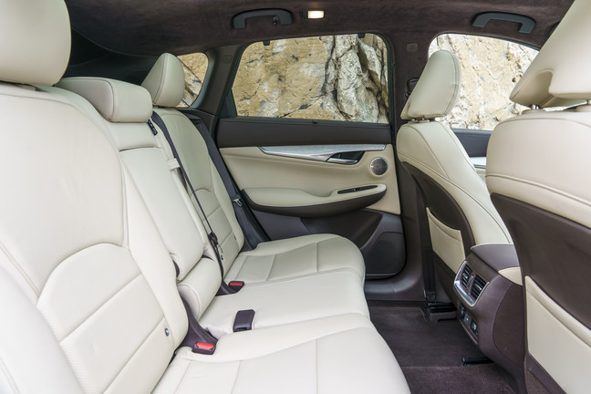 2019_INFINITI_QX50___Interior_Photo_11.JPG