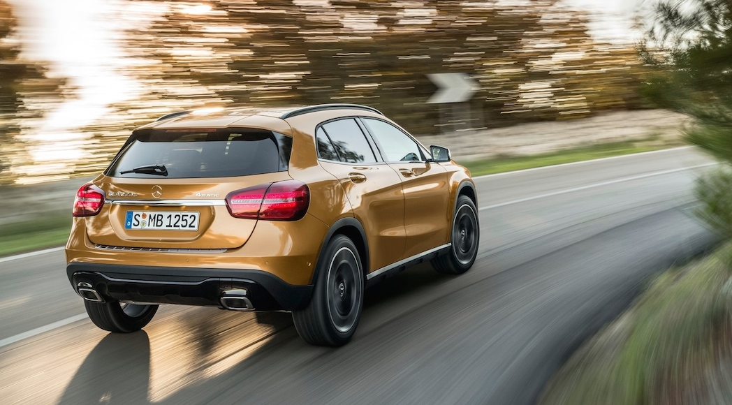 Mercedes-Benz-GLA-2018-8