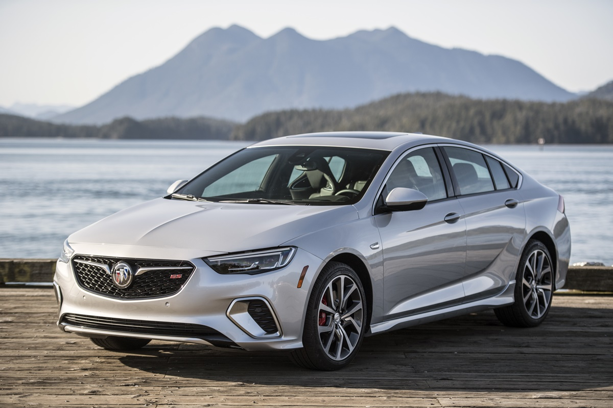 Buick REGAL 2018 (6)