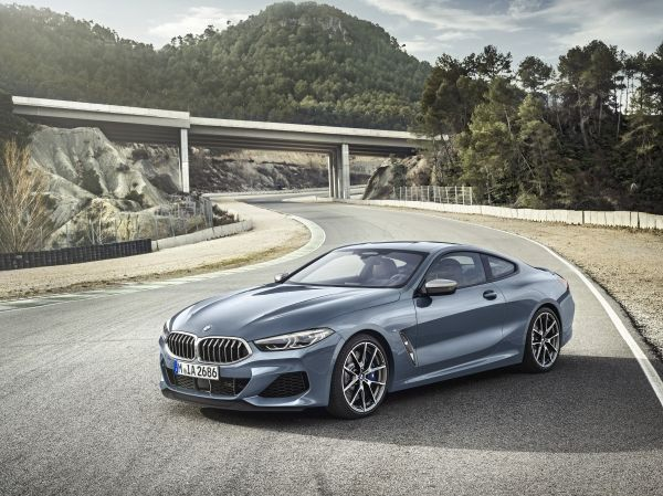 P90306592_lowRes_the-all-new-bmw-8-se