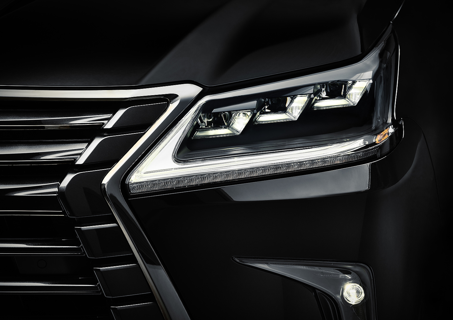 2019 Lexus LX 570 Inspiration | Photo: Lexus