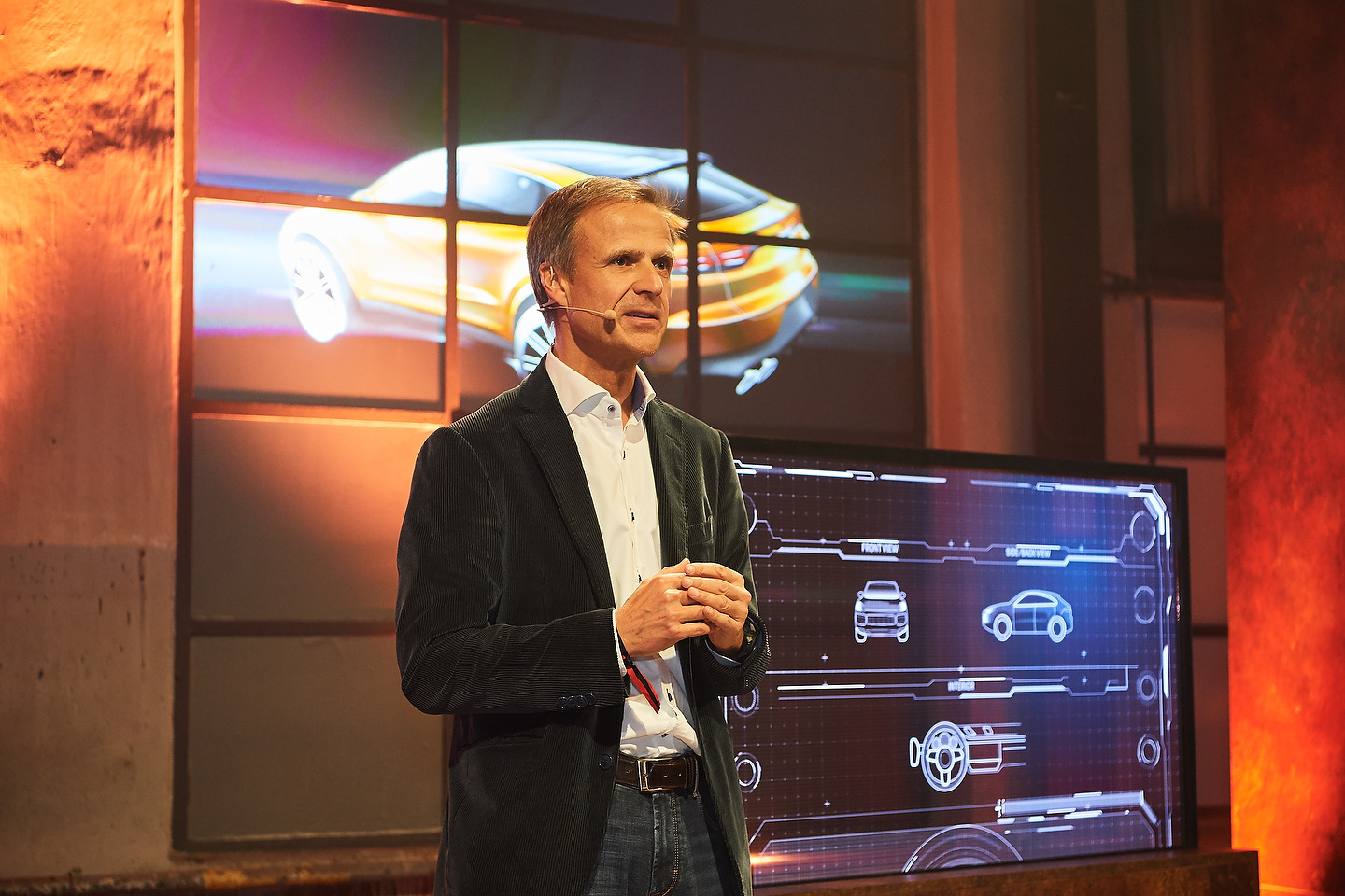 Michael Mauer, Vice President Style Porsche, presenting the new Cayenne Turbo CoupŽ