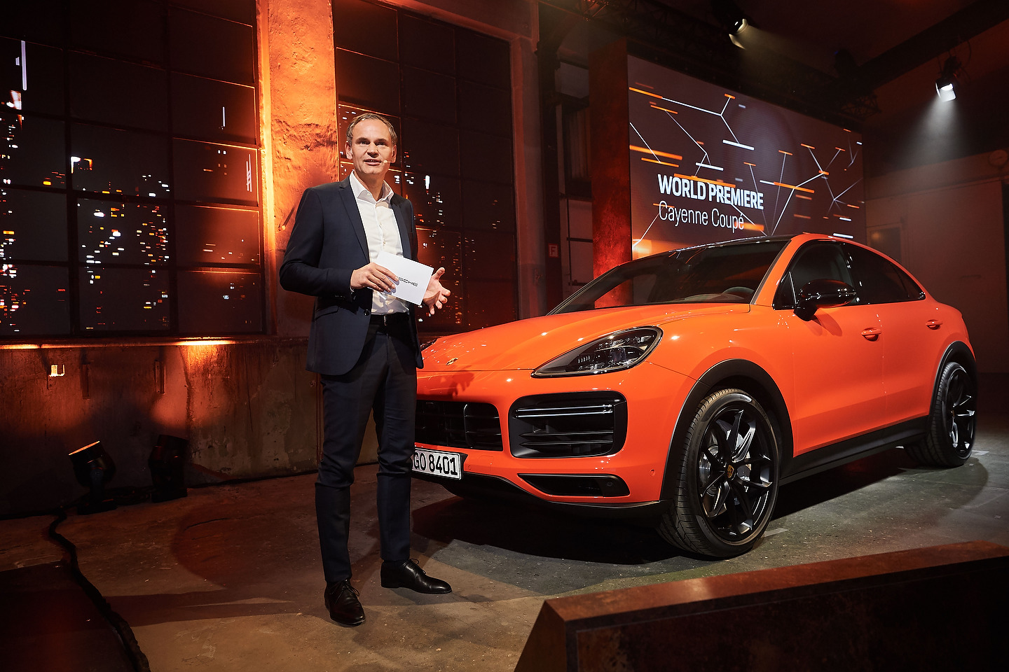 Oliver Blume, Chairman of the Executive Board of Porsche AG, presenting the new Cayenne Turbo CoupŽ